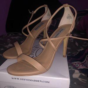 like new steven madden heels